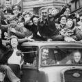 Revellers-on-The-Strand-London-VE-Day